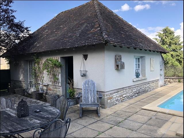 bienvenu immobilier maison ancienne en pierre avec piscine terrasses et d pendance. Black Bedroom Furniture Sets. Home Design Ideas